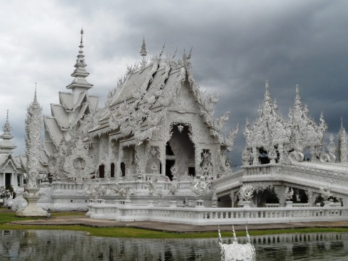 photo of the white temple in Thailand